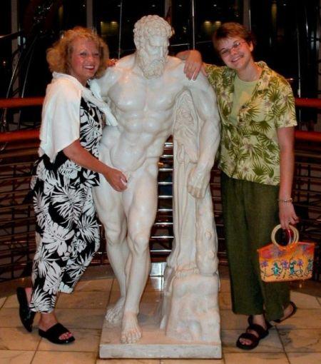 s-amuser-statues-13