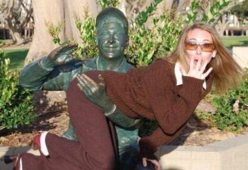 s-amuser-statues-23