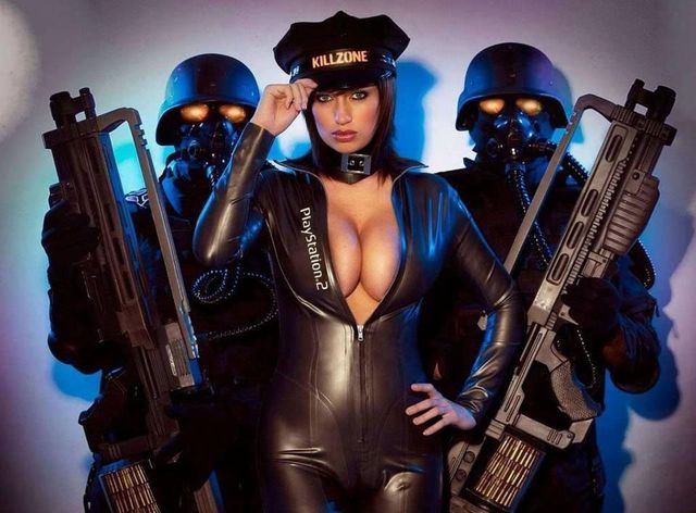 cosplay-sexy-boobs-killzone-playstation-2