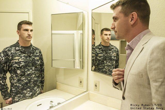 derriere-uniforme-militaire-06