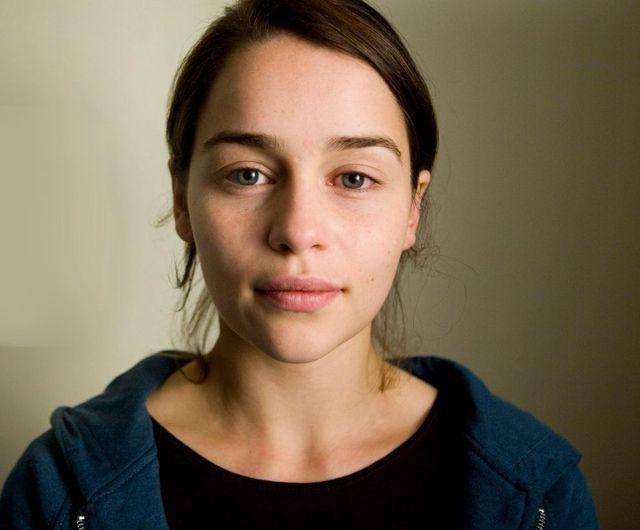 emilia-clarke-sans-maquillage-05