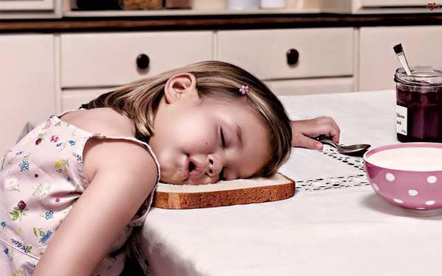 enfants-fatigues-dormir-partout-03