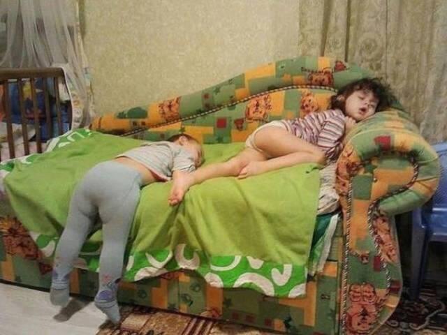 enfants-fatigues-dormir-partout-07