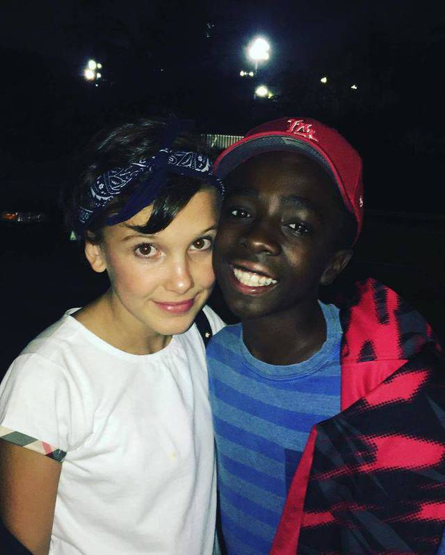 enfants-stranger-things-hors-camera-11