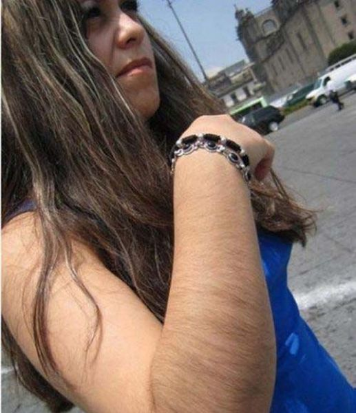 filles-bras-poilus-14
