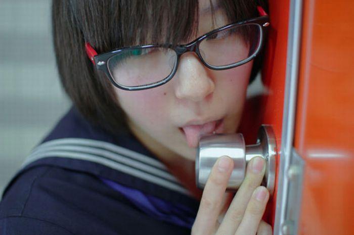 filles-japonaises-lecher-poignees-04