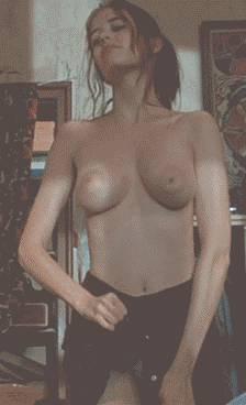 eva-green-petite-tenue-seins-nus