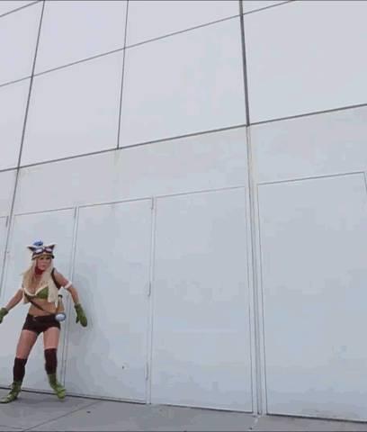 gifs-sexy-jessica-nigri-05