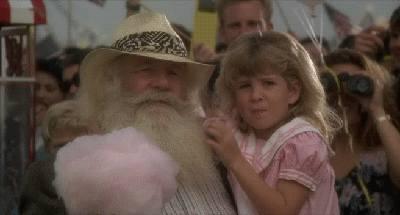 petite-fille-mange-barbe-papa