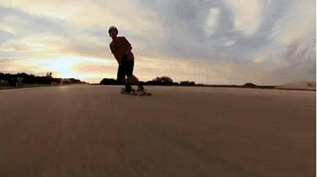 saut-sur-skate-qui-roule