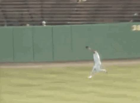 wall-run-baseball