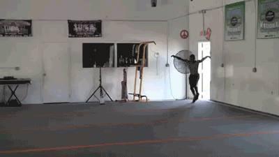 acrobate-qui-sait-tout-faire