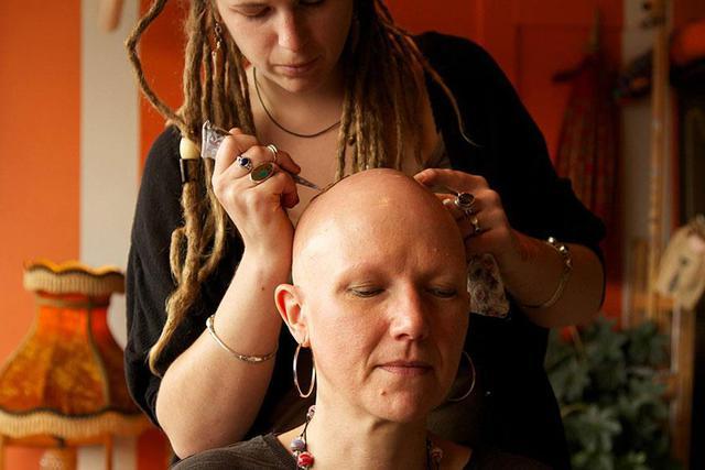 henne-crane-femmes-cancer-13
