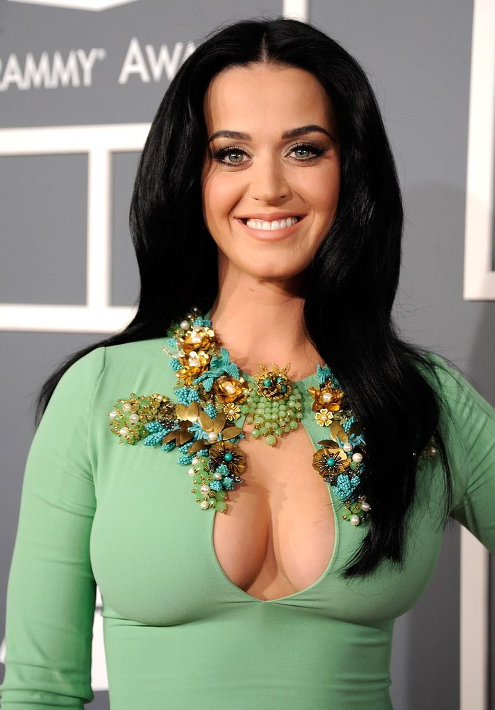 katy-perry-grammy-awards-2013-08