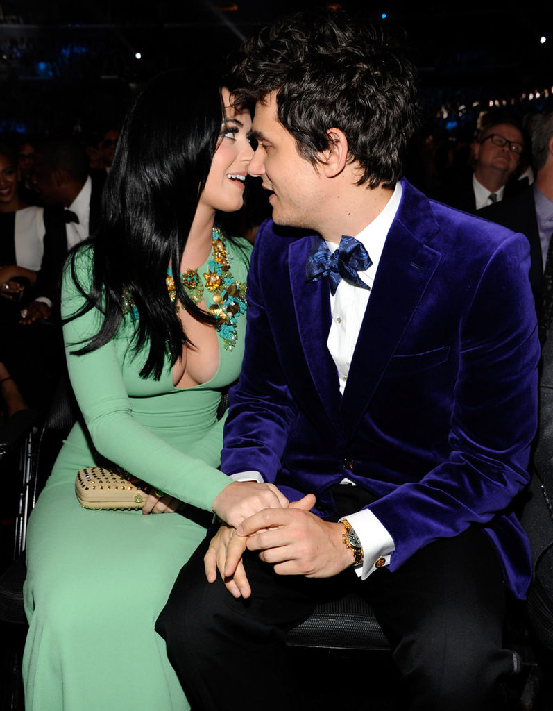 katy-perry-grammy-awards-2013-12