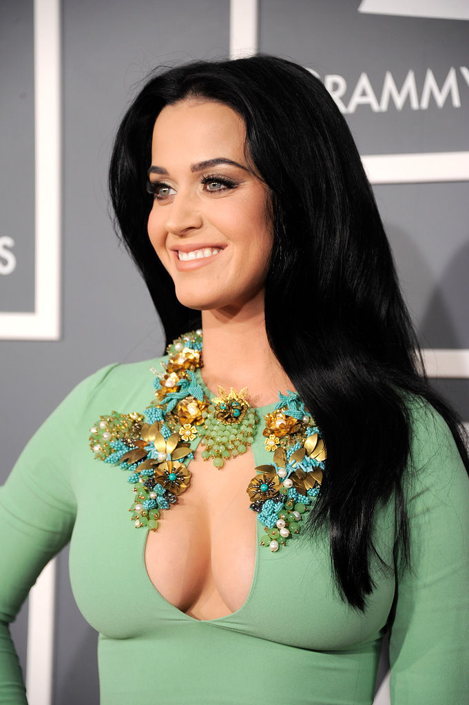 katy-perry-grammy-awards-2013-13