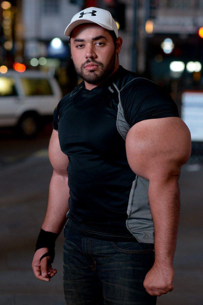 moustafa-ismail-plus-gros-biceps-monde-01