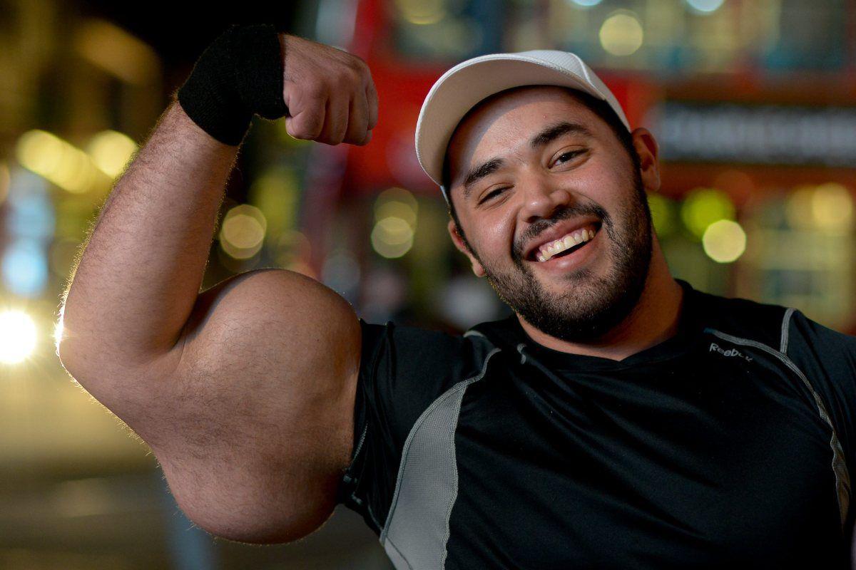 moustafa-ismail-plus-gros-biceps-monde-03