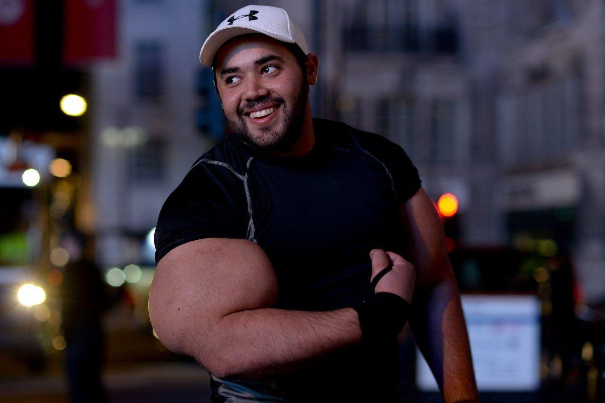 moustafa-ismail-plus-gros-biceps-monde-04