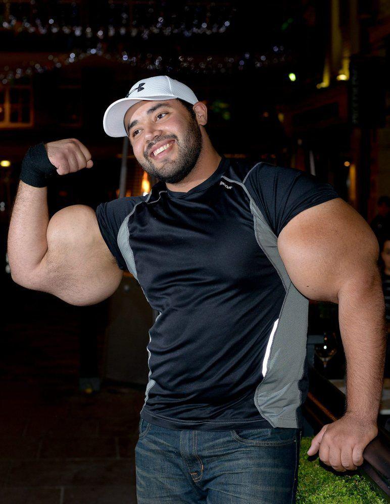 moustafa-ismail-plus-gros-biceps-monde-09