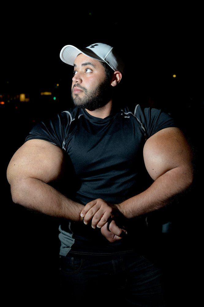 moustafa-ismail-plus-gros-biceps-monde-12