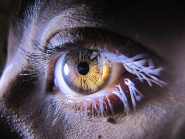 oeils-retouches-08