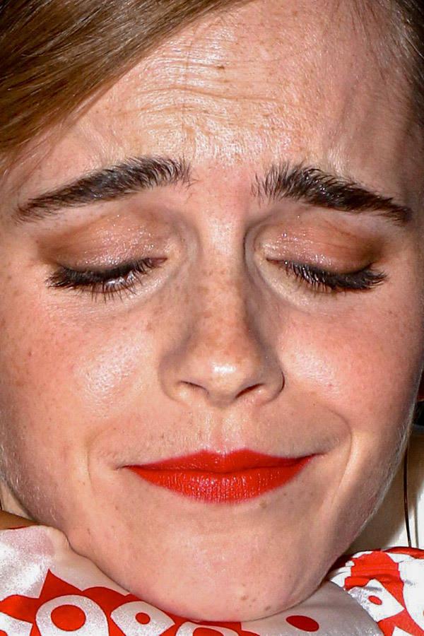 visage-celebrites-pres-emma-watson