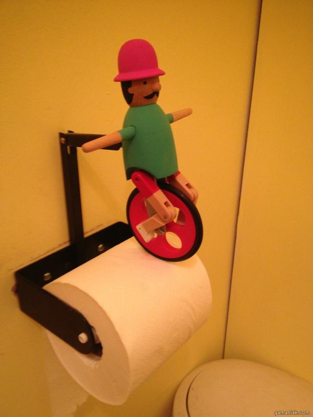 monocyle-papier-toilettes
