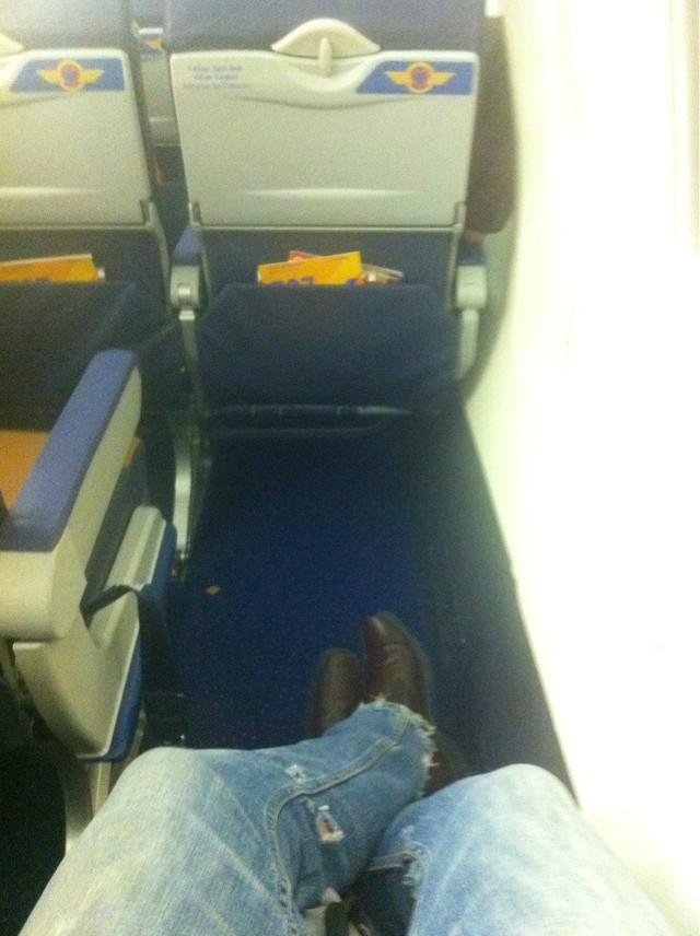 place-pour-les-pieds-dans-avion