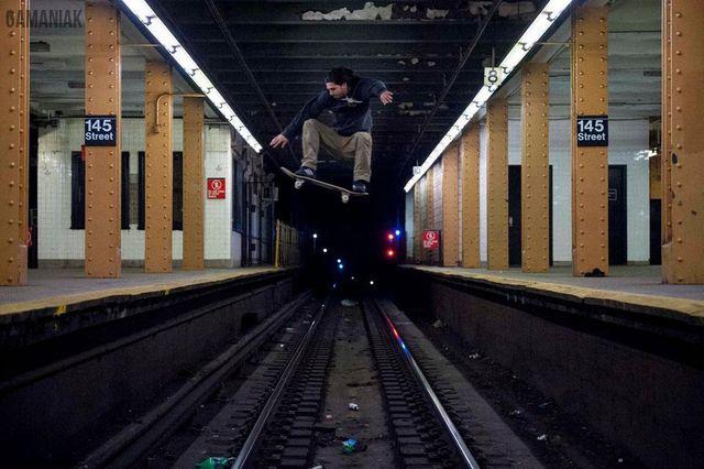 saut-skate-dessus-rails-metro