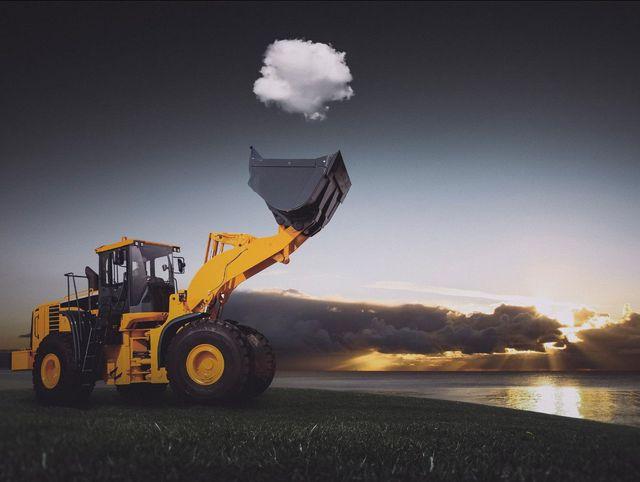 tractopelle-porte-nuage