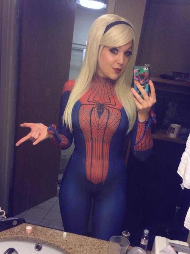 spiderwoman-selfie