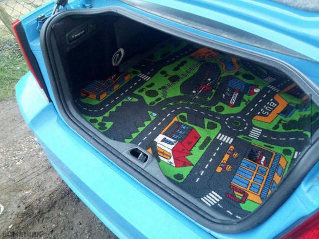 voiture-avec-gps-integre
