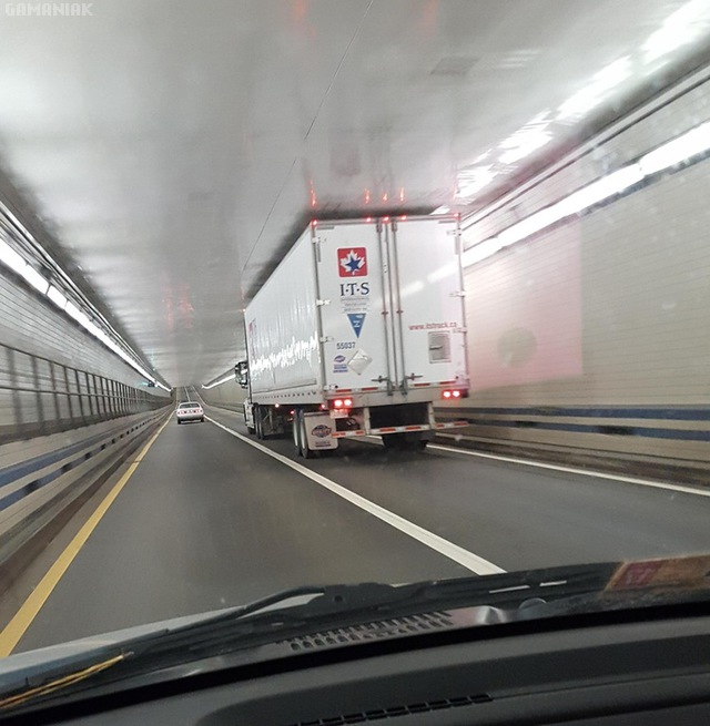 camion-frole-tunnel