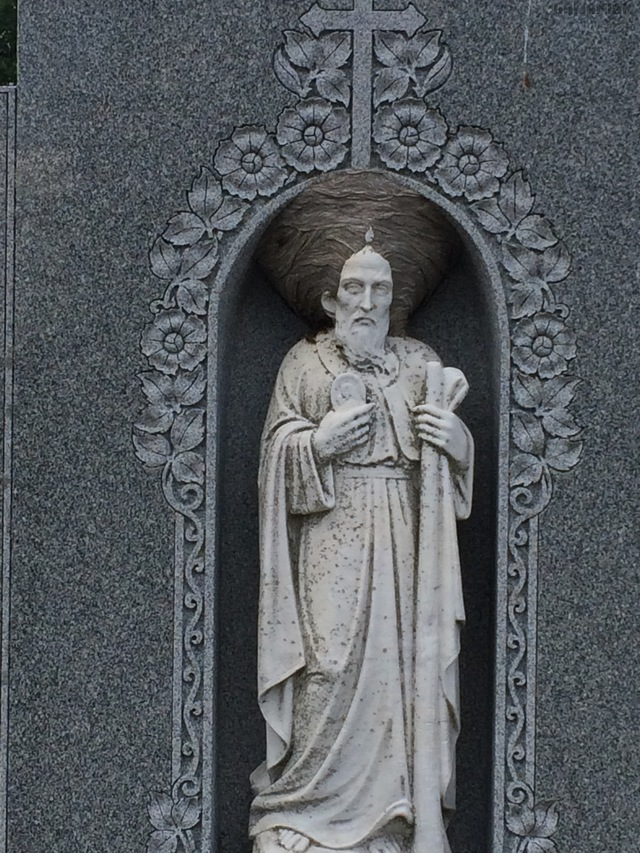 nid-guepes-turban-statue