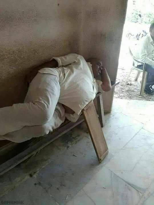repose-ventre-sieste-inde