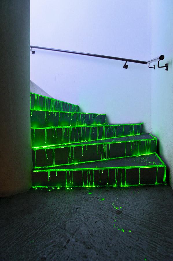 liquide-vert-escaliers