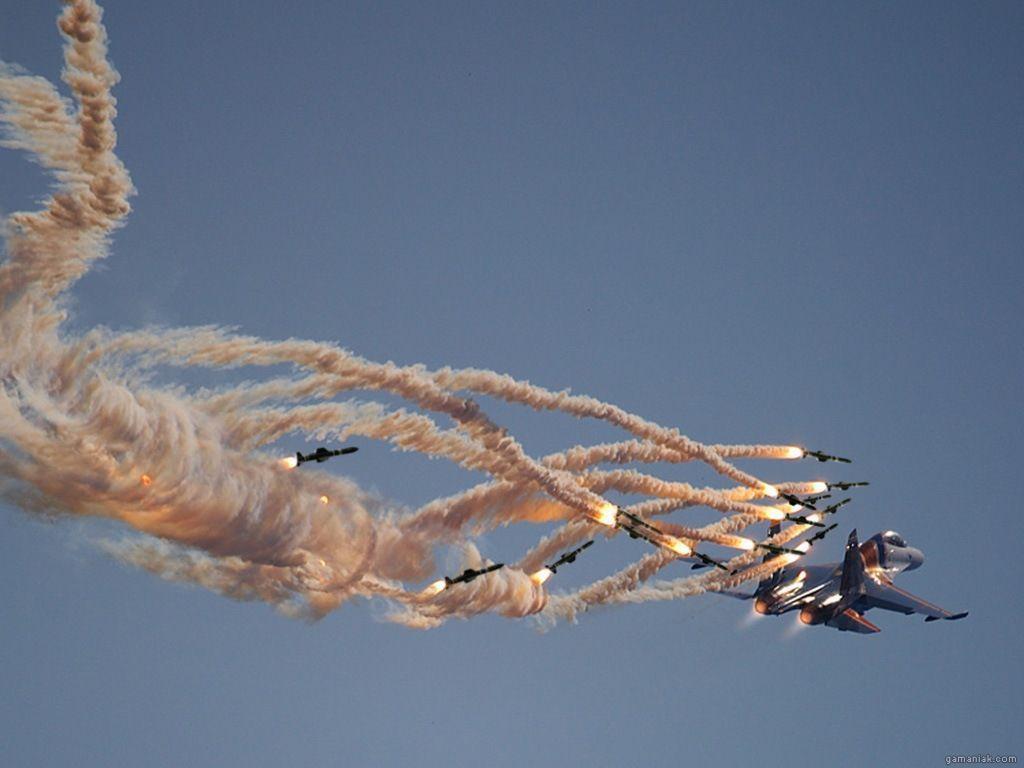 avion-cible-plusieurs-missiles