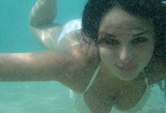 fille-bikini-sous-eau