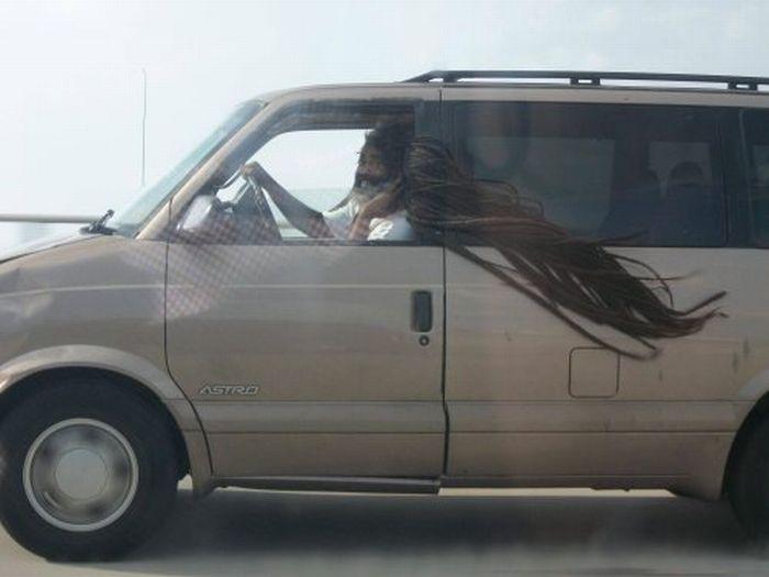 longs-cheveux-vent