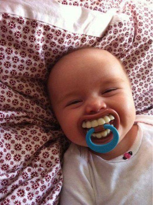 tetine-avec-des-dents