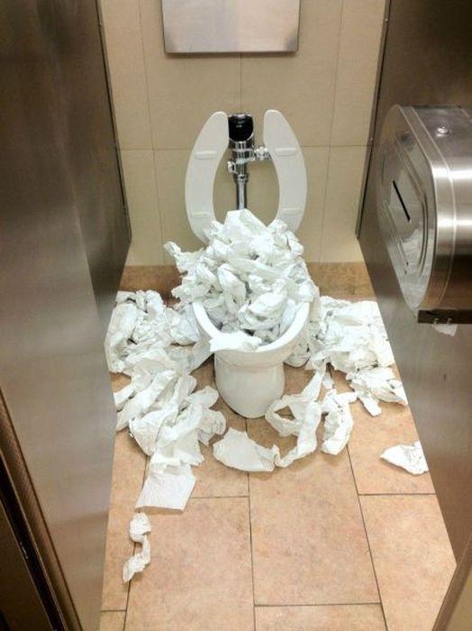 aucune-trace-calecon-toilettes