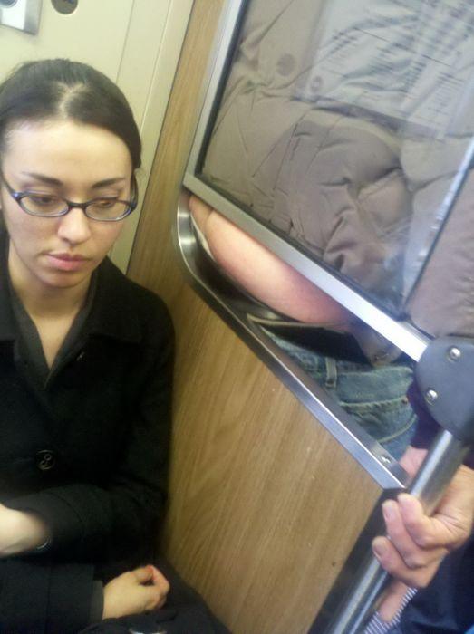 fesses-visage-metro