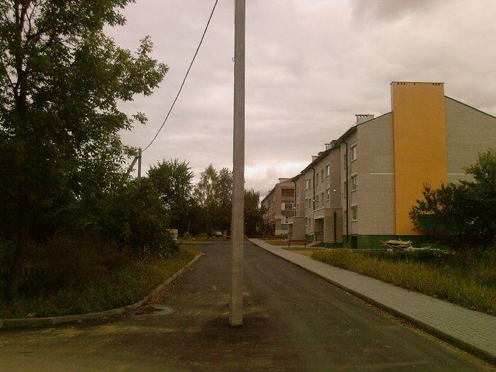 poteau-milieu-route