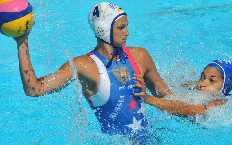 touche-sein-waterpolo