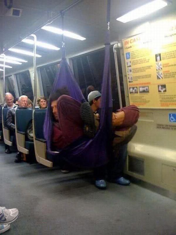 hamac-dans-metro