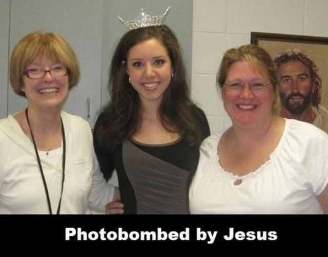 photobombed-jesus