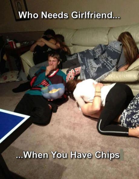 qui-a-besoin-copine-quand-tu-as-des-chips