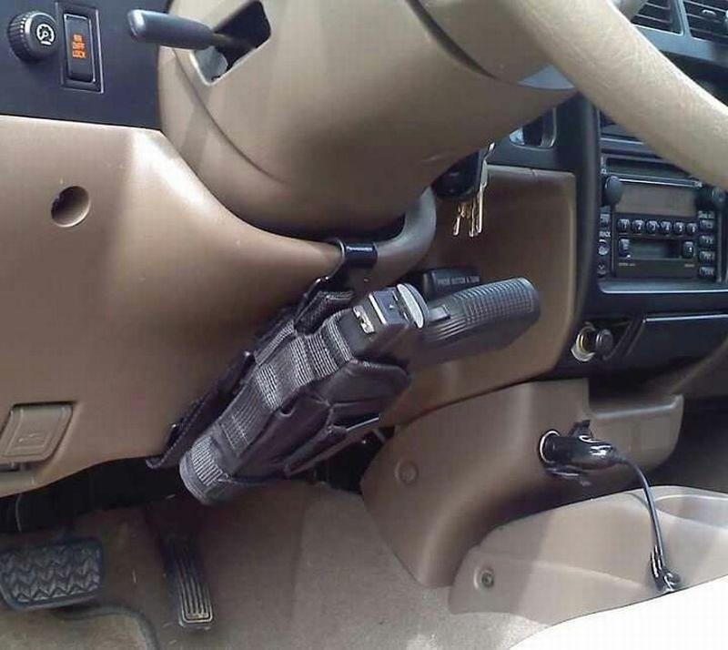 pistolet-sous-volant