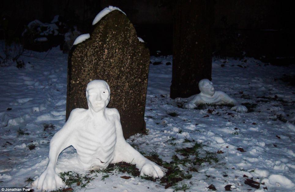des-zombies-neige
